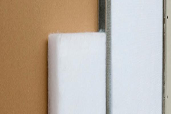 Lã de PET instaladas em paredes drywall